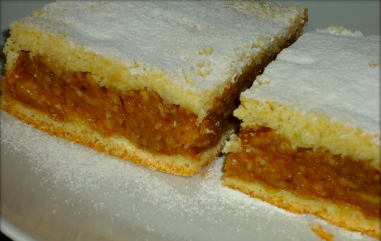 Rețeta pentru cea mai pufoasă plăcintă cu mere. Care este ingredientul secret