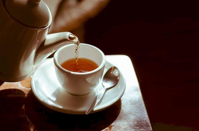 Scapă acum de kilogramele în plus! Ceaiul din frunze de viță te ajută să slăbești ușor și sănătos