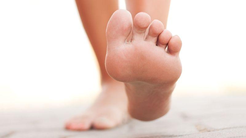 Scapă rapid de ciuperca piciorului. Remediul natural simplu de preparat, din ingrediente pe care le ai deja în bucătărie