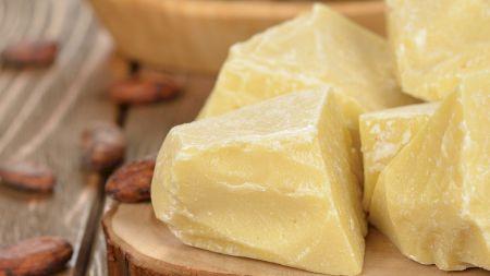Beneficiile neștiute ale untului de cacao. Tratează extrem de multe afecțiuni. Cum îl folosești