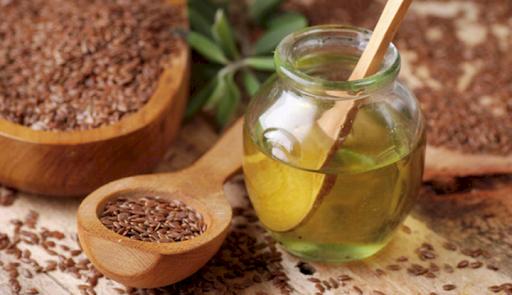 Rețetă uluitoare pentru sănătatea corpului: Specialiștii recomandă: Amestecă mierea de albine cu semințele de in și te vindeci de orice suferință