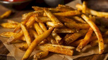 Rețetă: Cum obții cei mai crocanți cartofi prăjiți? Iată care este secretul marilor restaurante