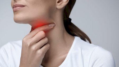 Ce simptome noi au apărut în cazurile celor infectați cu virusul Delta. Febra și pierderea gustului nu mai sunt printre principalele semne