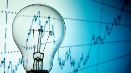 Cum faci să plătești mai puțin pe energia electrică? Salvezi bani cu efort minim: Este extrem de simplu