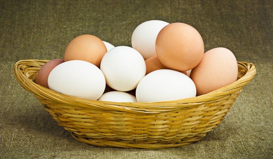 Nu mai mâncați ouă din comerț, care au ștanțate cifra 3 pe coajă! Iată ce au descoperit cei de la Protecția Consumatorului