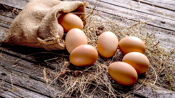 Atentie mare! Cum afli exact dacă ouăle din comerț sunt proaspete? Una dintre metode este foarte simpla