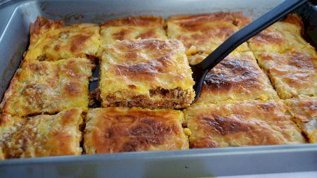 Cea mai tare rețetă moldovenească: Plăcintă cu carne. Care este secretul pentru un aluat extrem de fraged