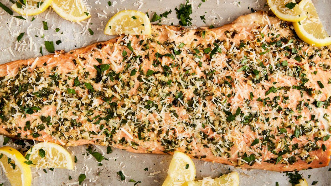 Rețeta pentru cel mai delicios somon în crustă. Este o adevărată delicatesă. Care e ingredientul secret