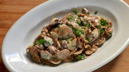 Rețetă: Cea mai delicioasă tocăniță de ciuperci cu smântână. Iată care este rețeta folosită de marii bucătari ai lumii