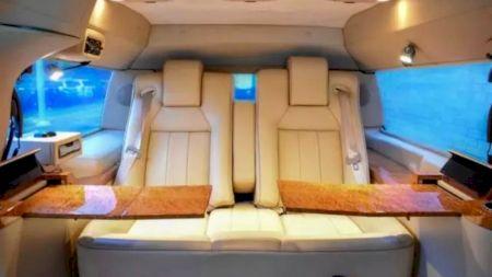 Prețul infim cu care și-a vândut regele Iordaniei limuzina Ford de 620.000 de dolari. Este un chilipir