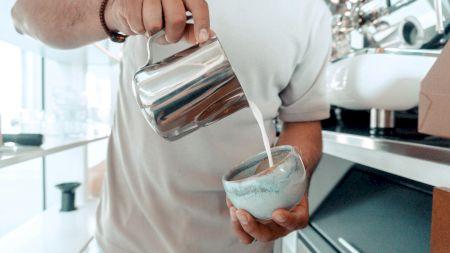 Cafea neagră, cu lapte sau cu zahăr? Lidia Fecioru spune ce fel de personalitate ai în funcție de cum o bei