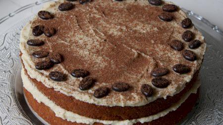 Rețeta pentru prăjitura Cappuccino. Are un gust unic. Care este ingredientul secret