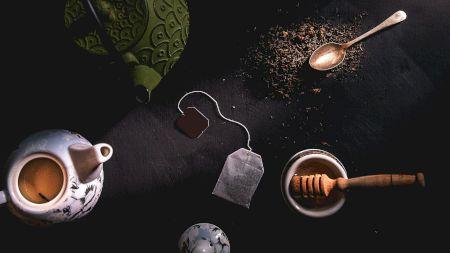 Ai probleme cu somnul? Iată cele mai bune 5 ceaiuri care îți vor asigura un somn liniștit