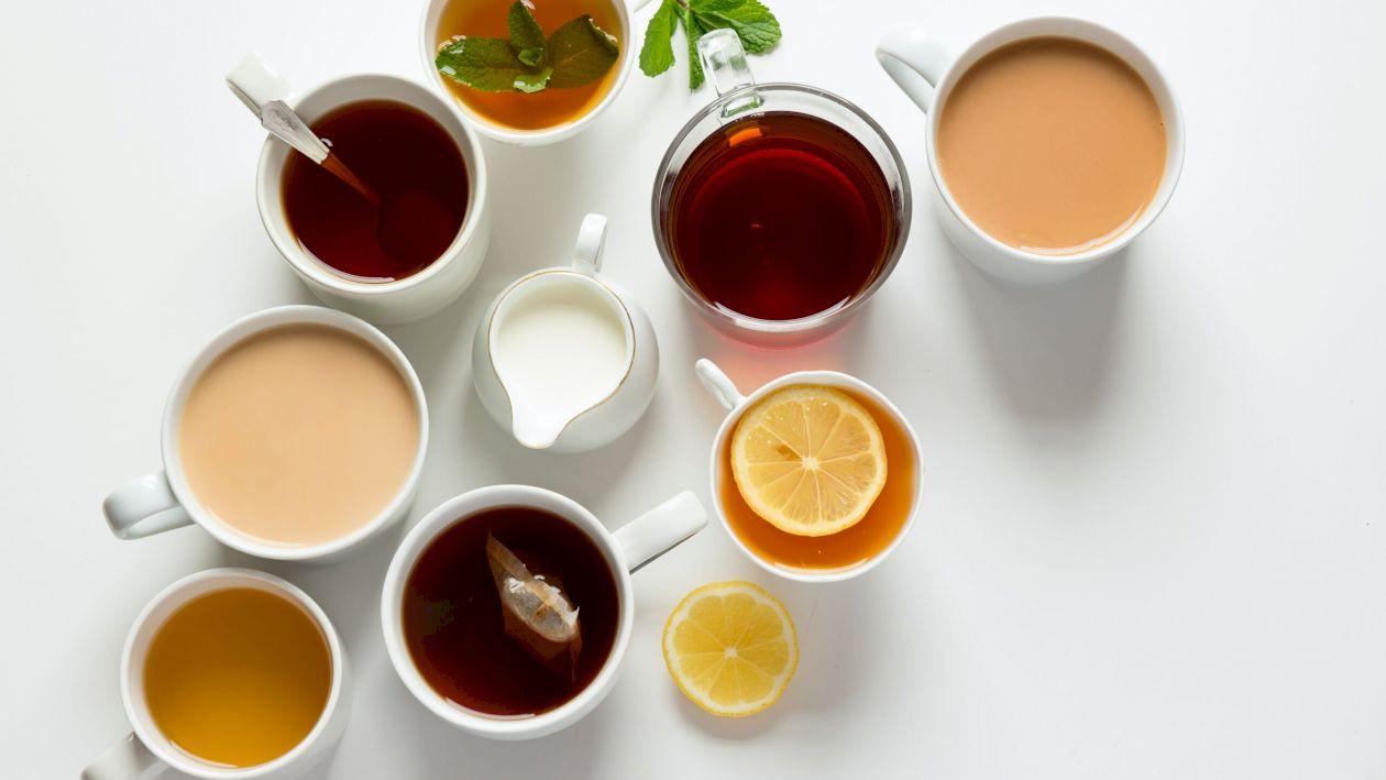 Te confrunți cu balonarea? Cele mai bune ceaiuri digestive. Detoxifică organismul și îți dau și vitaminele de care ai nevoie