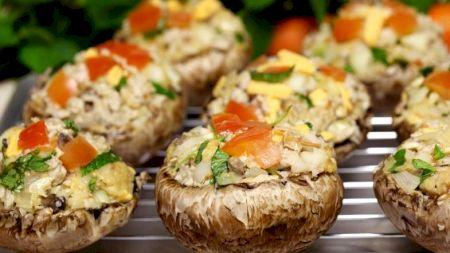 Rețetă: Cel mai delicios aperitiv! Ciuperci umplute la cuptor. Iată rețeta simplă dezvăluită de marii bucătari francezi