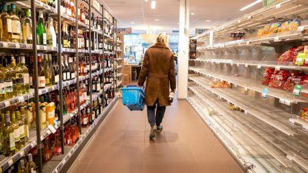 Scandal monstru în hypermarketuri: Unul dintre cele mai vândute produse, o adevărată otravă pentru organism! Ce au descoperit specialiștii