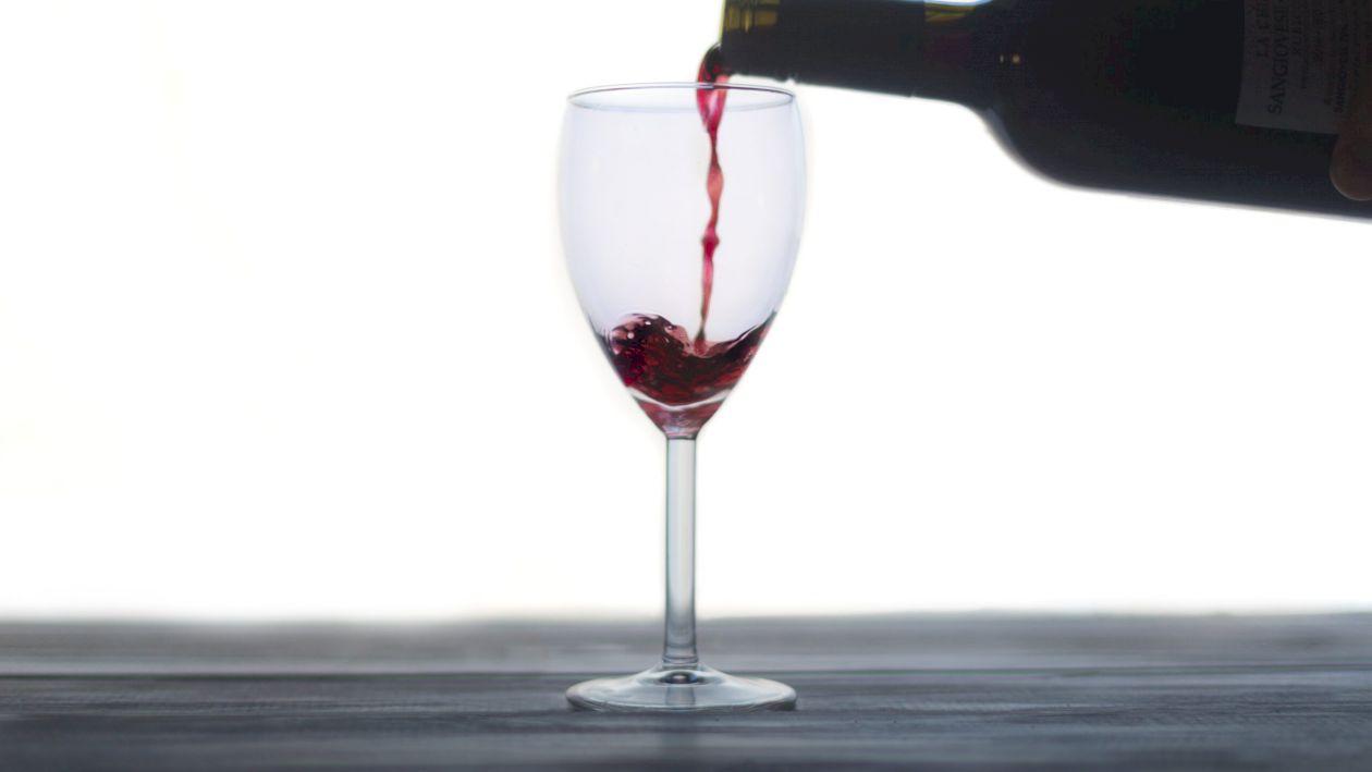 Cum îți dai seama dacă bei un vin bun sau TOXIC! Testul pe care îl poți face singur, acasă
