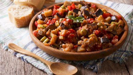 Cel mai delicios ghiveci de legume. Rețeta siciliană. E absolut delicios și slab în calorii