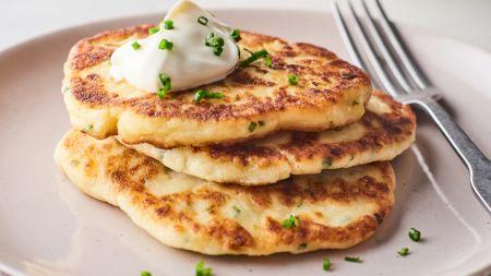 Clătite din cartofi. O rețetă delicioasă pentru micul dejun. Cum o prepari în câteva minute