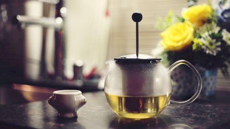 Ceaiul verde poate crea probleme la ficat și declanșa hepatită, dacă se depășește cantitatea! Câte căni cu ceai verde ai voie să bei pe zi?  Medicii avertizează