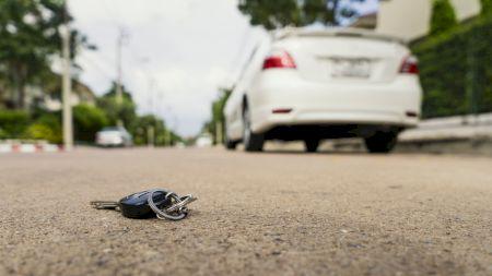 Ți-ai pierdut cheile de la mașină? Iată trei moduri în care le poți recupera. Sunt cele mai ieftine variante