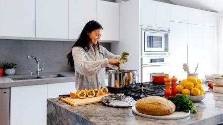 Cel mai periculos obiect din bucătărie! Este plin de bacterii, microbi și poate cauza probleme grave de sănătate