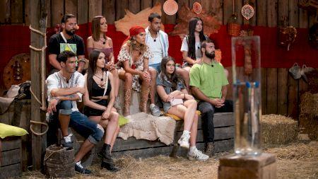 Cel mai jenant moment! Vedetele super celebre care au încălcat contractul cu Pro TV! Nu s-au putut abține și au întreținut relații intime la filmări