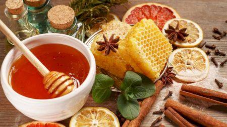 Remediul natural considerat un miracol al naturii: Amestecul pe bază de miere de albine și scorțișoară: Vindecă o mulțime de boli
