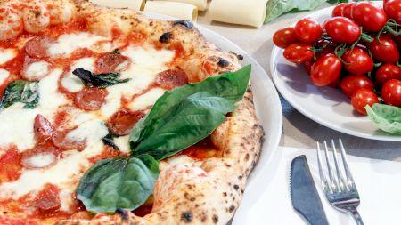 Cea mai sănătoasă și bună pizza: cum trebuie să fie blatul ca să nu îngrașe. Nutriționistul Mihaela Bilic explică ce fel de pizza trebuie să alegem