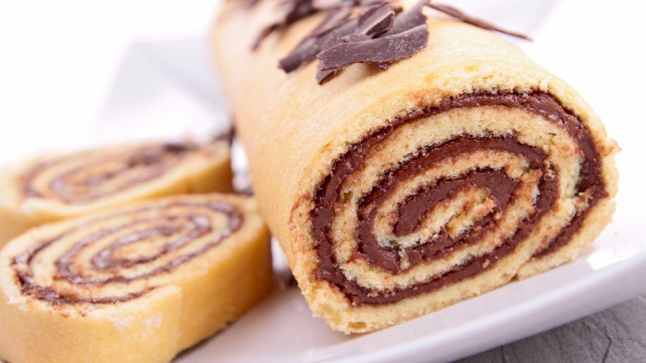 Rețetă: Incredibil cât de ușor se face rulada cu ciocolată: Desertul care va fi extrem de îndrăgit de membrii familiei
