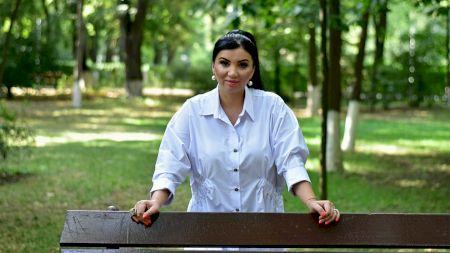 Uluitor! Ce sume încasează Adriana Bahmuțeanu și cine îi dă acum bani. Ce avere are fosta soție a lui Silviu Prigoană