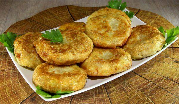 Rețeta care face furori în lume: Chifteluțe din cartofi și brânză. Au un gust extraordinar și se prepară foarte simplu