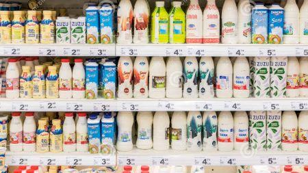 Nu mai consumați aceste branduri de lapte din supermarketuri! Sunt toxice! Cercetătorii au dezvăluit și care este singurul lapte neprelucrat din comerț