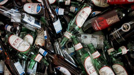 Alertă maximă! S-au găsit substanțe toxice în aceste sticle de bere! Provoacă numeroase boli