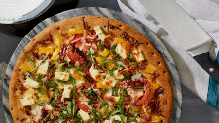 Cea mai delicioasă pizza. Rețeta de post. Ingredientul care îi dă un gust special