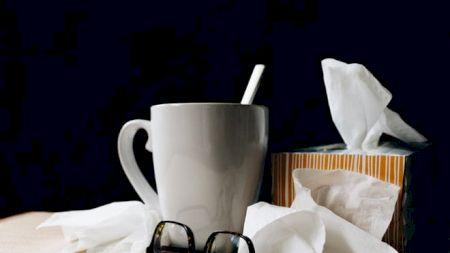 Suferiți de răceală sau gripă? Nu mai consumați aceste alimente: Vă fac și mai mult rău. Toți românii fac această greșeală