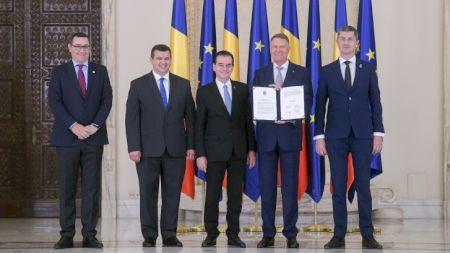Ce înălțime imensă are Dan Barna, liderul USR și noul vicepremier al României! Este mai înalt decât Klaus Iohannis și Victor Ponta