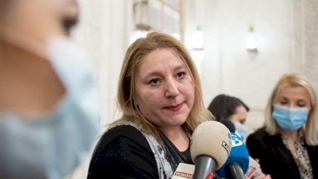 Diana Șoșoacă încasează lunar 10.951 de lei de la stat! Motivul pentru care primeste acești bani, deși nu face nimic pentru ei