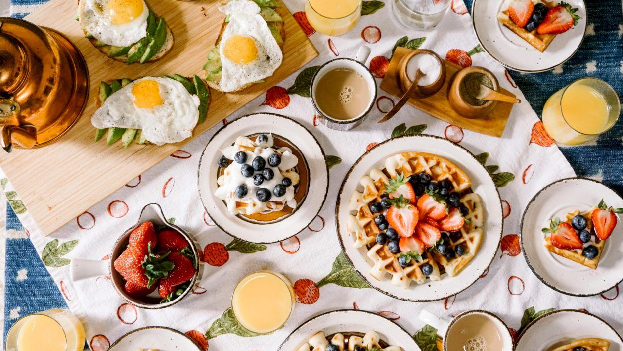 Cele 10 alimente care îngrașă cel mai mult. Nu vei slăbi niciodată dacă nu le scoți din dietă. Mulți comit această greșeală, avertizează nutriționiștii