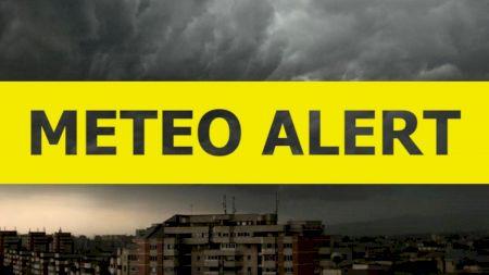 Alertă METEO! Cod galben de ploi și instabilitatea accentuată începând cu sâmbătă, ora 11.00. Până când va ține vremea rea