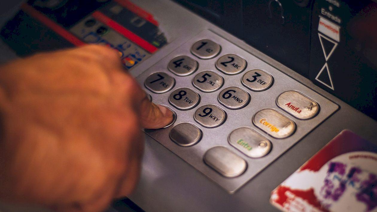 Cum puteți cere amânarea plății ratelor la bănci? Condițiile care trebuie îndeplinite și data limită până la care se poate depune cererea