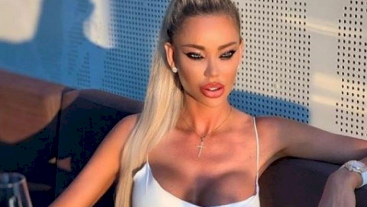 Bianca Drăgușanu și-a distrus fața: