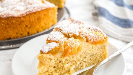 Cea mai delicioasă prăjitură cu caise. Rețeta pe care o poți prepara foarte ușor, în timpul tău liber