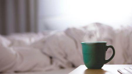 Ceaiul care elimină toxinele și te ajută să slăbești. Poate înlocui chiar și o cană de cafea dimineața