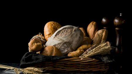 Crește prețul la pâine! Patronii din panificație au anunțat cât va costa o franzelă de 300 de grame