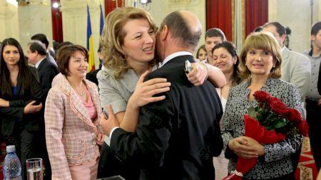 Publicația lui Dan Andronic, EVZ o atacă pe Ioana Băsescu. Dezvăluirile care o îngroapă pe fiica cea mare a lui Traian Băsescu