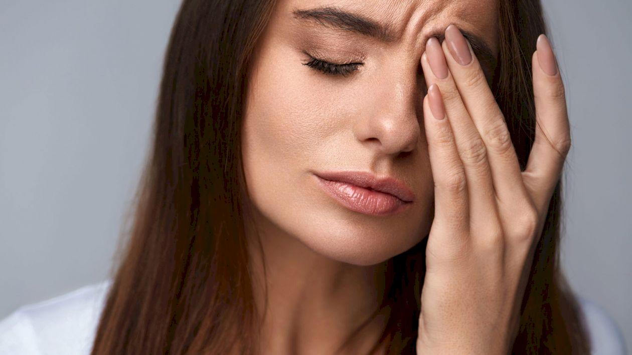 Ai probleme cu vederea? Ai putea avea deficit de vitamina E. Ce alte simptome arată lipsa vitaminei E și ce alimente trebuie să consumi