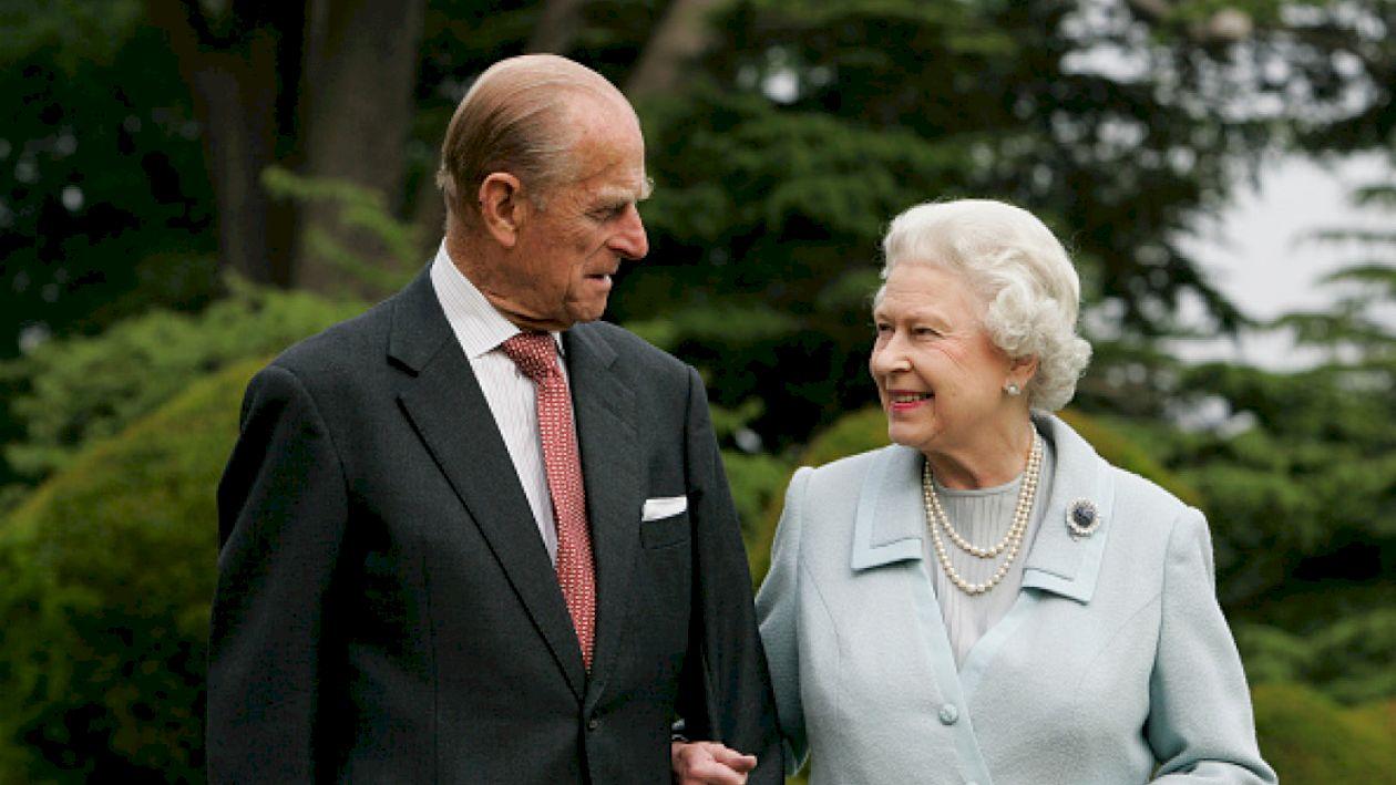 Detalii neștiute despre Prințul Philip. Cum a început relația de dragoste dintre el și Regina Elisabeta: A fost dragoste la prima vedere