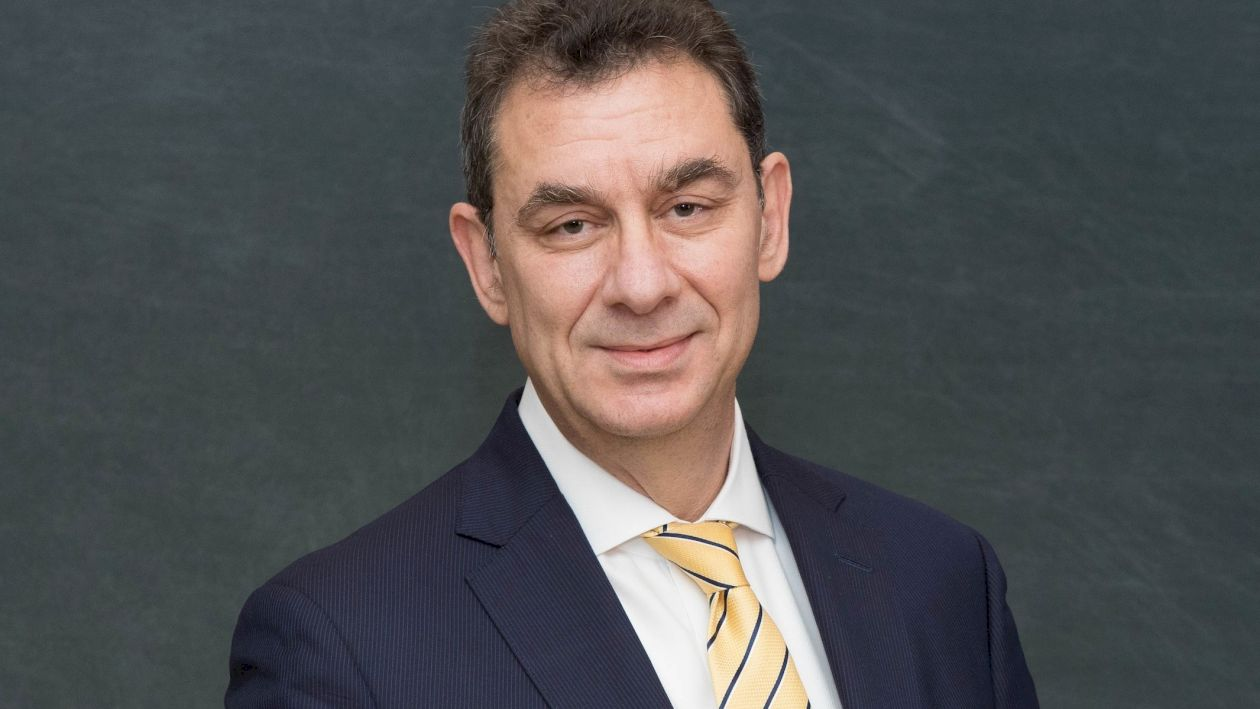 Cine este Albert Bourla, CEO-ul Pfizer. Ce studii are la bază și cum a ajuns în companie