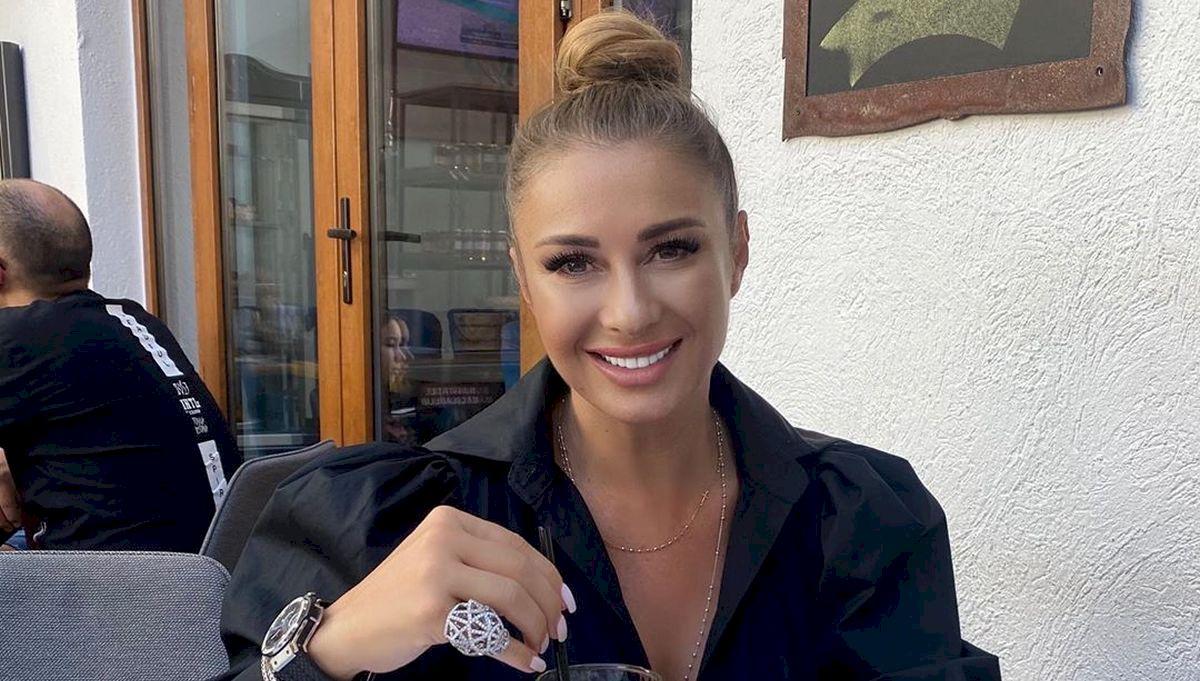 Anamaria Prodan, delir total. Impresara anunță că vrea să fie nașa Corinei Bilcon, presupusa iubită gravidă a lui Laurențiu Reghecampf